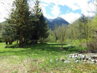 "Photo 4: 146 DOGHAVEN Lane in Squamish: Upper Squamish Land for sale in ""Upper Squamish"" : MLS®# R2186038"