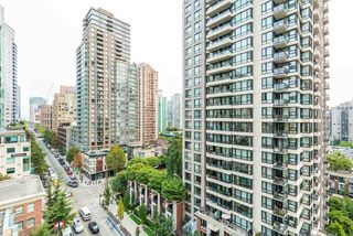 "Photo 6: 1204 939 HOMER Street in Vancouver: Yaletown Condo for sale in ""THE PINNACLE"" (Vancouver West)  : MLS®# R2204695"