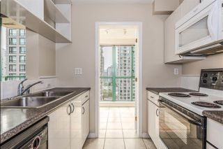 "Photo 10: 1204 939 HOMER Street in Vancouver: Yaletown Condo for sale in ""THE PINNACLE"" (Vancouver West)  : MLS®# R2204695"
