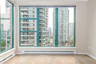 "Photo 5: 1204 939 HOMER Street in Vancouver: Yaletown Condo for sale in ""THE PINNACLE"" (Vancouver West)  : MLS®# R2204695"