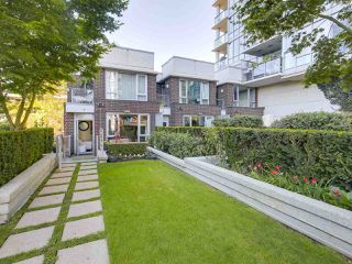 Photo 9: 1438 SEYMOUR MEWS in Vancouver: Yaletown Townhouse for sale (Vancouver West)  : MLS®# R2201290