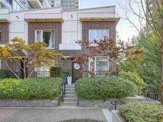 Photo 1: 1438 SEYMOUR MEWS in Vancouver: Yaletown Townhouse for sale (Vancouver West)  : MLS®# R2201290