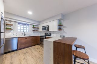 Photo 1: 203 12025 207A Street in Maple Ridge: Northwest Maple Ridge Condo for sale : MLS®# R2209400