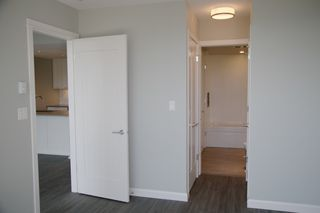 """Photo 10: 2106 520 COMO LAKE Avenue in Coquitlam: Coquitlam West Condo for sale in """"THE CROWN"""" : MLS®# R2209731"""