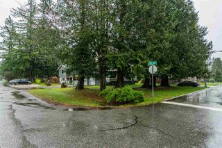 Photo 2: 19768 46 Avenue in Langley: Langley City House for sale : MLS®# R2235644