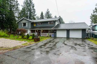 Photo 1: 19768 46 Avenue in Langley: Langley City House for sale : MLS®# R2235644