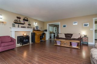 Photo 5: 19768 46 Avenue in Langley: Langley City House for sale : MLS®# R2235644