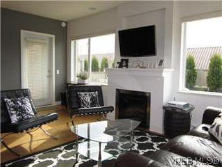 Photo 5: 110 4394 West Saanich Road in VICTORIA: SW Royal Oak Residential for sale (Saanich West)  : MLS®# 296856