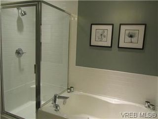 Photo 18: 110 4394 West Saanich Road in VICTORIA: SW Royal Oak Residential for sale (Saanich West)  : MLS®# 296856