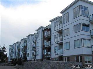 Photo 4: 110 4394 West Saanich Road in VICTORIA: SW Royal Oak Residential for sale (Saanich West)  : MLS®# 296856