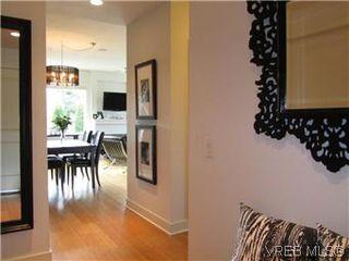 Photo 8: 110 4394 West Saanich Road in VICTORIA: SW Royal Oak Residential for sale (Saanich West)  : MLS®# 296856