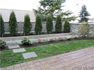 Photo 9: 110 4394 West Saanich Road in VICTORIA: SW Royal Oak Residential for sale (Saanich West)  : MLS®# 296856