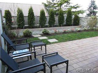 Photo 17: 110 4394 West Saanich Road in VICTORIA: SW Royal Oak Residential for sale (Saanich West)  : MLS®# 296856
