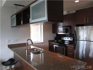 Photo 3: 110 4394 West Saanich Road in VICTORIA: SW Royal Oak Residential for sale (Saanich West)  : MLS®# 296856