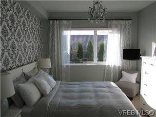 Photo 12: 110 4394 West Saanich Road in VICTORIA: SW Royal Oak Residential for sale (Saanich West)  : MLS®# 296856