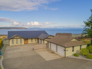 Main Photo: 2345 S Island Hwy in CAMPBELL RIVER: CR Willow Point House for sale (Campbell River)  : MLS®# 781054