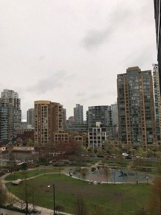 """Photo 9: 703 1199 SEYMOUR Street in Vancouver: Downtown VW Condo for sale in """"BRAVA"""" (Vancouver West)  : MLS®# R2254163"""
