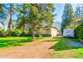 """Photo 2: 23366 FRANCIS Avenue in Langley: Fort Langley House for sale in """"Fort Langley"""" : MLS®# R2261636"""