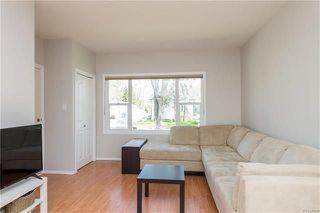 Photo 2: 220 Harvard Avenue in Winnipeg: West Transcona Residential for sale (3L)  : MLS®# 1812578