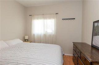 Photo 10: 220 Harvard Avenue in Winnipeg: West Transcona Residential for sale (3L)  : MLS®# 1812578