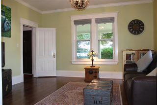 Photo 3: 1870 E 33RD Avenue in Vancouver: Victoria VE House for sale (Vancouver East)  : MLS®# R2273629