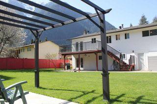 """Photo 13: 21034 RIVERVIEW Drive in Hope: Hope Kawkawa Lake House for sale in """"Kawkawa Lake"""" : MLS®# R2279825"""