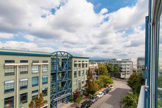 """Photo 7: 404 228 E 4TH Avenue in Vancouver: Mount Pleasant VE Condo for sale in """"THE WATERSHED"""" (Vancouver East)  : MLS®# R2303905"""