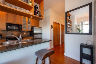 "Photo 3: 219 2515 ONTARIO Street in Vancouver: Mount Pleasant VW Condo for sale in ""ELEMENTS"" (Vancouver West)  : MLS®# R2317923"