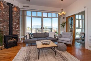 """Photo 5: 219 2515 ONTARIO Street in Vancouver: Mount Pleasant VW Condo for sale in """"ELEMENTS"""" (Vancouver West)  : MLS®# R2317923"""