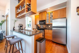 "Photo 4: 219 2515 ONTARIO Street in Vancouver: Mount Pleasant VW Condo for sale in ""ELEMENTS"" (Vancouver West)  : MLS®# R2317923"