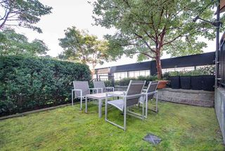 """Photo 12: 219 2515 ONTARIO Street in Vancouver: Mount Pleasant VW Condo for sale in """"ELEMENTS"""" (Vancouver West)  : MLS®# R2317923"""