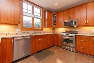 Photo 13: 433 Montreal St in VICTORIA: Vi James Bay Half Duplex for sale (Victoria)  : MLS®# 800702
