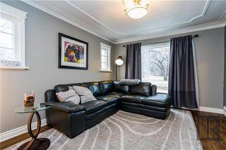 Photo 3: 276 Harrow Street in Winnipeg: Crescentwood Residential for sale (1B)  : MLS®# 1829754