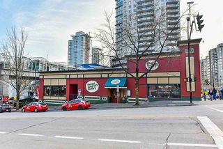 """Photo 18: 504 715 ROYAL Avenue in New Westminster: Uptown NW Condo for sale in """"VISTA ROYALE"""" : MLS®# R2343255"""