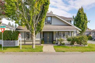 Main Photo: 20239 93A Avenue in Langley: Walnut Grove House for sale : MLS®# R2350278