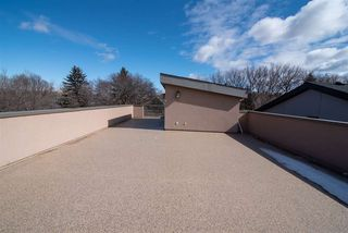 Photo 2: 10228 88 Street in Edmonton: Zone 13 House for sale : MLS®# E4149272