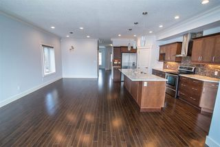 Photo 3: 10228 88 Street in Edmonton: Zone 13 House for sale : MLS®# E4149272