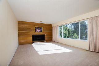 Photo 5: 10609 SANTA MONICA Drive in Delta: Nordel House for sale (N. Delta)  : MLS®# R2357819