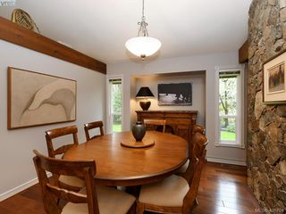 Photo 9: 998 Cottontree Close in VICTORIA: SE Broadmead House for sale (Saanich East)  : MLS®# 812170