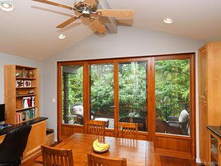 Photo 12: 998 Cottontree Close in VICTORIA: SE Broadmead House for sale (Saanich East)  : MLS®# 812170