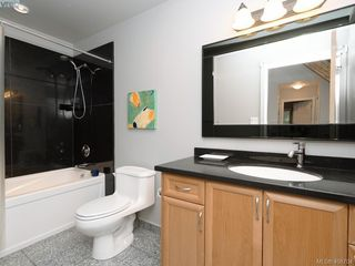Photo 18: 998 Cottontree Close in VICTORIA: SE Broadmead House for sale (Saanich East)  : MLS®# 812170