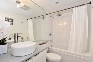 "Photo 17: 312 788 HAMILTON Street in Vancouver: Downtown VW Condo for sale in ""TV Towers"" (Vancouver West)  : MLS®# R2364675"
