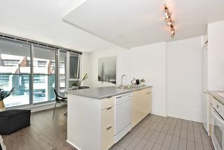 "Photo 13: 312 788 HAMILTON Street in Vancouver: Downtown VW Condo for sale in ""TV Towers"" (Vancouver West)  : MLS®# R2364675"