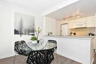 "Photo 9: 312 788 HAMILTON Street in Vancouver: Downtown VW Condo for sale in ""TV Towers"" (Vancouver West)  : MLS®# R2364675"