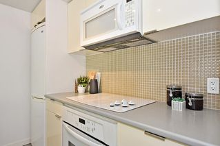"Photo 12: 312 788 HAMILTON Street in Vancouver: Downtown VW Condo for sale in ""TV Towers"" (Vancouver West)  : MLS®# R2364675"