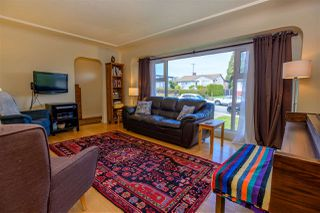 Photo 3: 7922 17TH Avenue in Burnaby: East Burnaby House for sale (Burnaby East)  : MLS®# R2366489