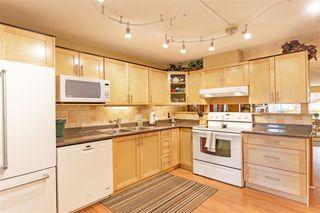 "Photo 8: 105 7837 120A Street in Surrey: West Newton Townhouse for sale in ""Berkshyre Gardens"" : MLS®# R2371000"