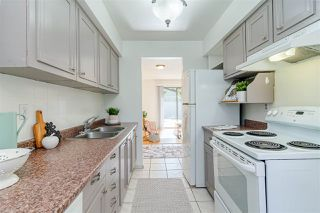 Photo 6: 5111 203 Street in Langley: Langley City Townhouse for sale : MLS®# R2377243