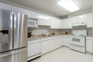 "Photo 4: 308 3075 PRIMROSE Lane in Coquitlam: North Coquitlam Condo for sale in ""LAKESIDE TERRACE"" : MLS®# R2379020"
