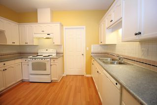 """Photo 4: 19 4740 221 Street in Langley: Murrayville Townhouse for sale in """"Eaglecrest"""" : MLS®# R2383487"""